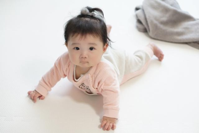 生後6ヶ月の赤ちゃんの特徴とは?成長の状況や育児の悩み・対策を解説!