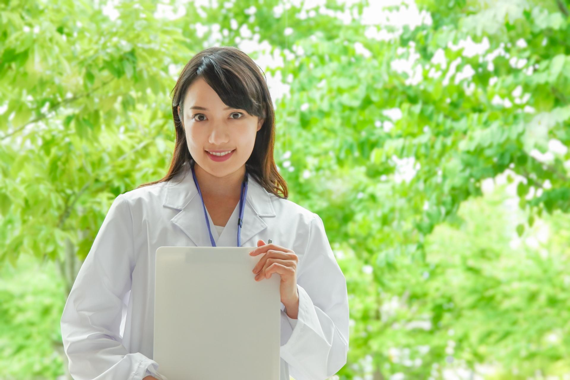 薬剤師の働き方は様々!雇用形態、職場、勤務時間帯の違いを解説