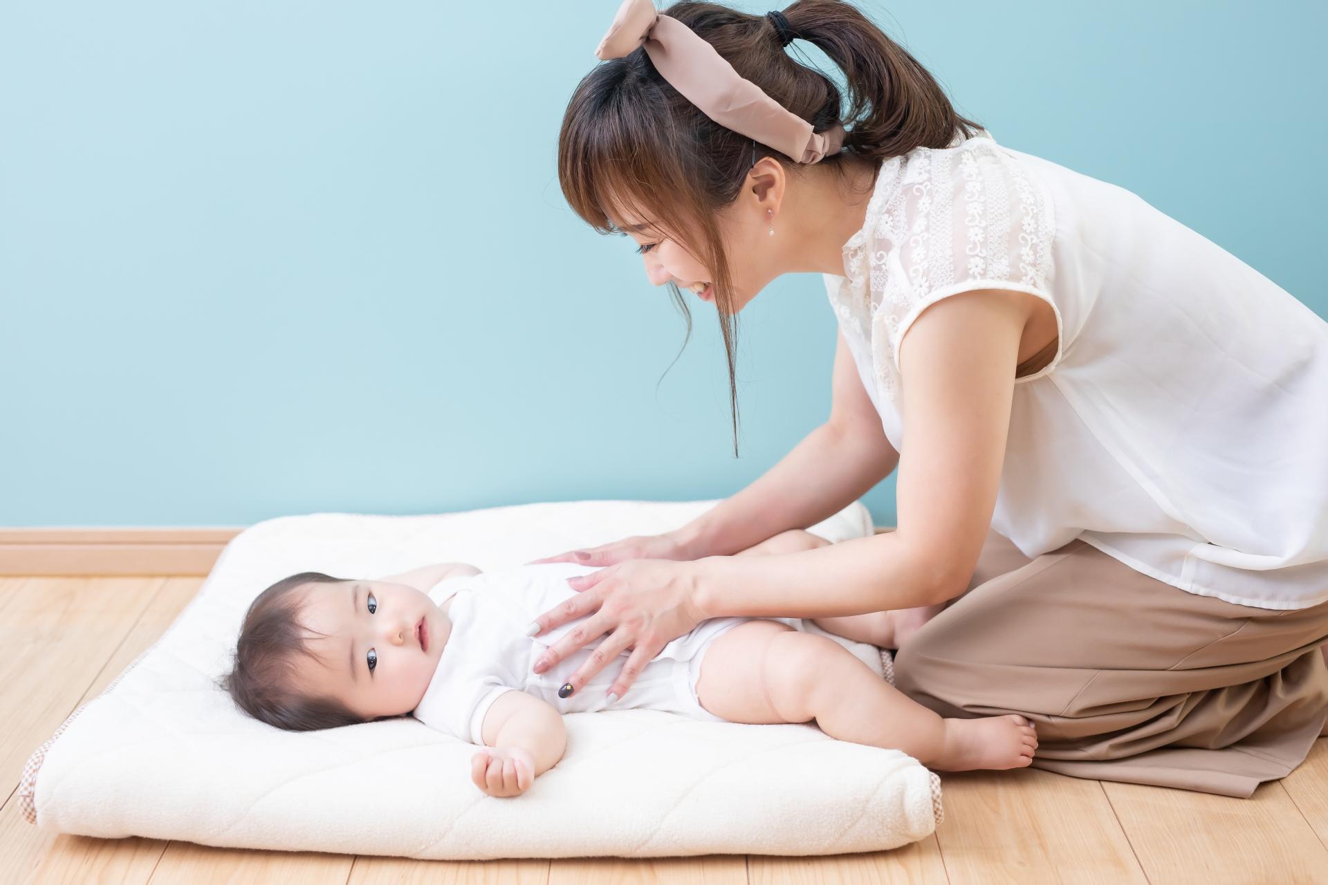 赤ちゃんの寝かしつけの方法は?有効なグッズやアイデア・コツを解説